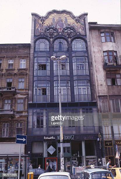 Budapest Building 1900 place Martinelli