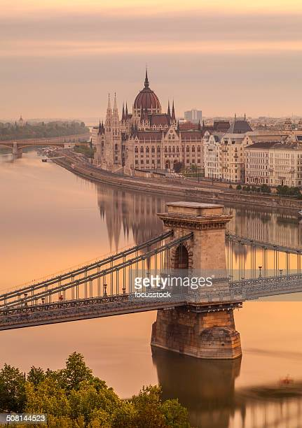 budapest chain bridge - budapest stock pictures, royalty-free photos & images
