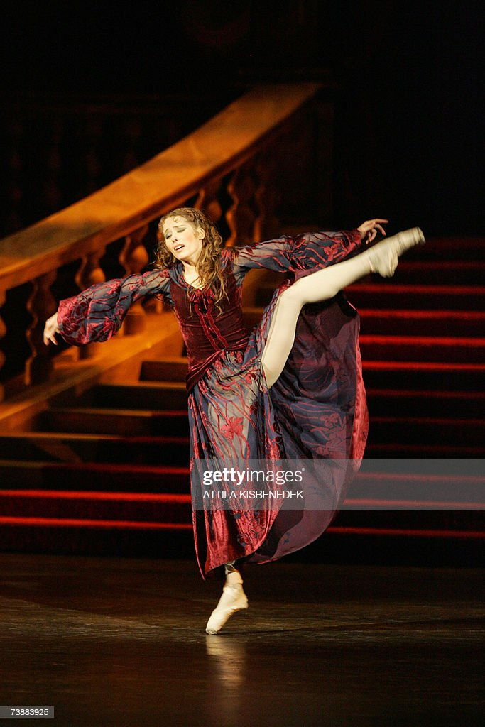 Hungarian National Ballet star Alesia Po... : News Photo