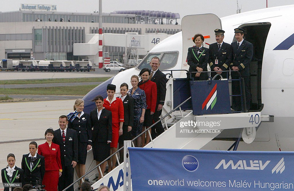 Pilots, stewards and stewardesses of the... : News Photo