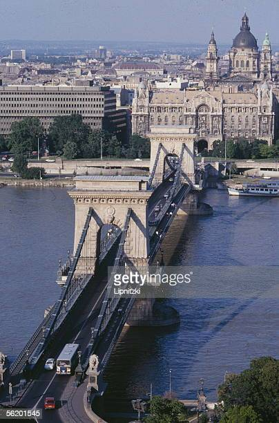Budapest .The Chain bridge over the Danube, the Gresham palace and the Saint-Etienne basilica, 1991.