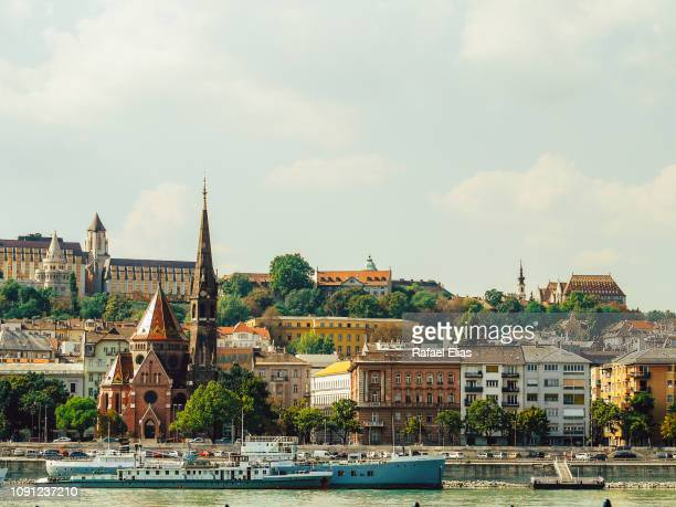 budapest urbanscape - royal palace budapest stock pictures, royalty-free photos & images