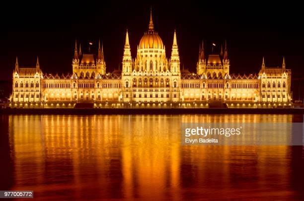 budapest,hungary - sede do parlamento húngaro - fotografias e filmes do acervo