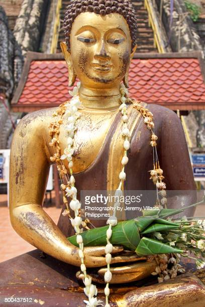 buddha at wat chedi luang, chiang mai, thailand - jeremy chan stock pictures, royalty-free photos & images