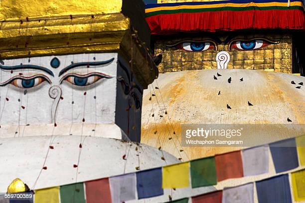 buddha eye at boudhanath stupa - 仏陀の目 ストックフォトと画像