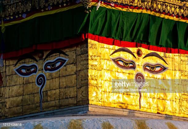 buddha eyes at swayambhunath temple, nepal. - 仏陀の目 ストックフォトと画像