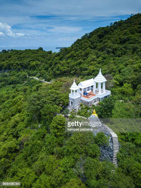 buddha footprint view point at sichang island is located in the middle of the gulf of thailand. - golf von thailand stock-fotos und bilder