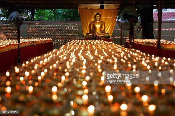buddha statue during vesak day - cero foto e immagini stock
