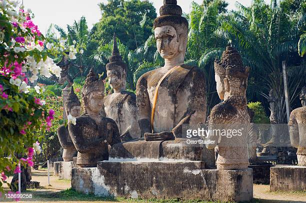 buddha statue in buddha park,  laos - buda imagens e fotografias de stock