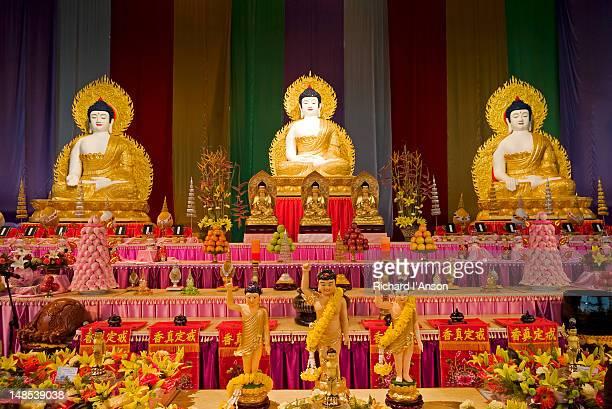 buddha statues on display at suncorp piazza at buddha birth day festival. - 灌仏会 ストックフォトと画像