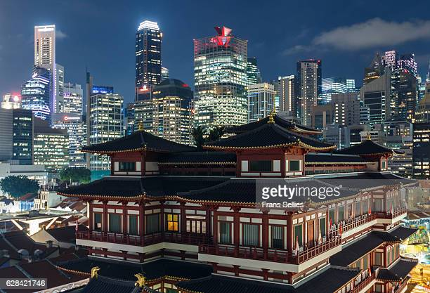 buddha tooth relic temple, singapore - frans sellies stockfoto's en -beelden