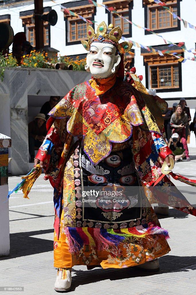 Buddhist mask dancer, Ladakh : Stock-Foto