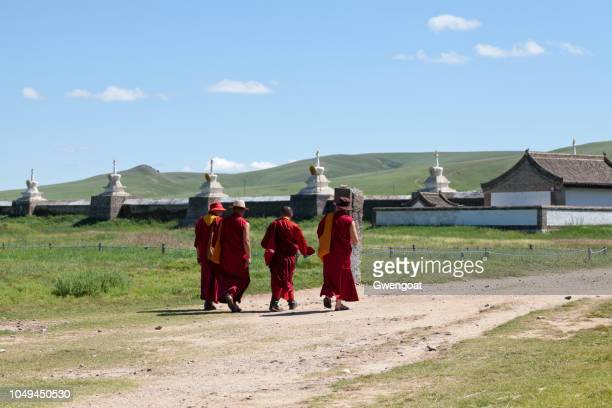 buddhist monks at erdene zuu monastery - gwengoat stock pictures, royalty-free photos & images