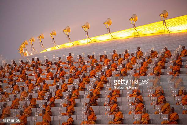 DHAMMAKAYA BANGKOK RANGSIT THAILAND Buddhist monks hold lanterns during a yearly ceremony at Wat Phra Dhammakaya Temple in the north of Bangkok Thai...