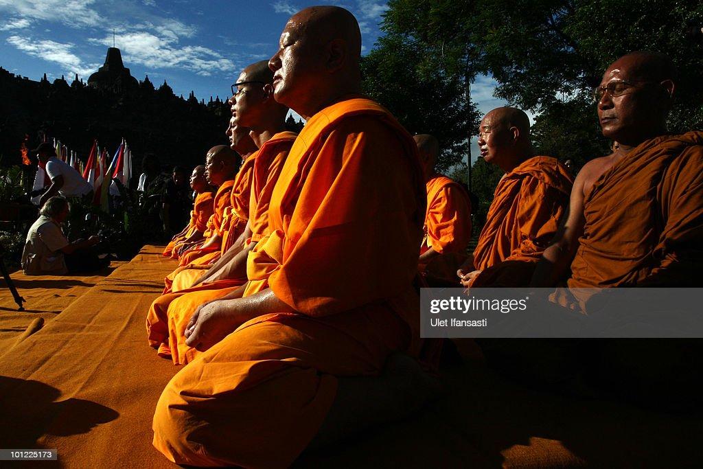 Indonesia Commemorates Buddha's Birthday : News Photo