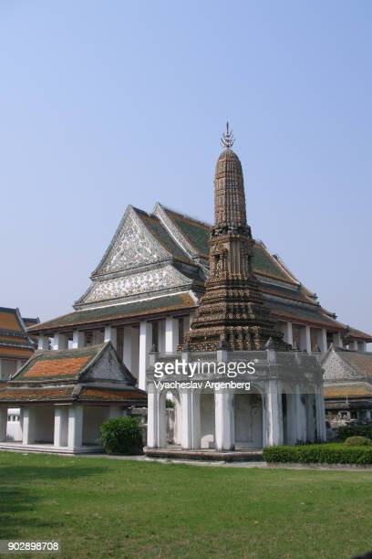 buddhist pagoda near wat pho, bangkok - www images com stock photos and pictures