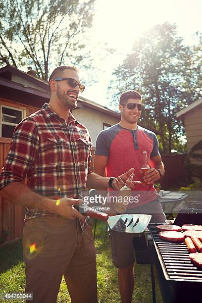 Freunde am barbecue