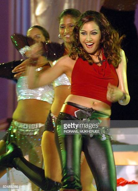 Budding Bollywood starlet Niccolette performs during the Pond's Femina Miss India 2005 finals of the beauty pageant in Bombay 27 March 2005 The...