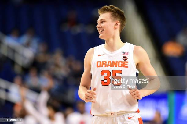 Buddy Boeheim of the Syracuse Orange reacts following a play during their game against the North Carolina Tar Heels in the second round of the 2020...