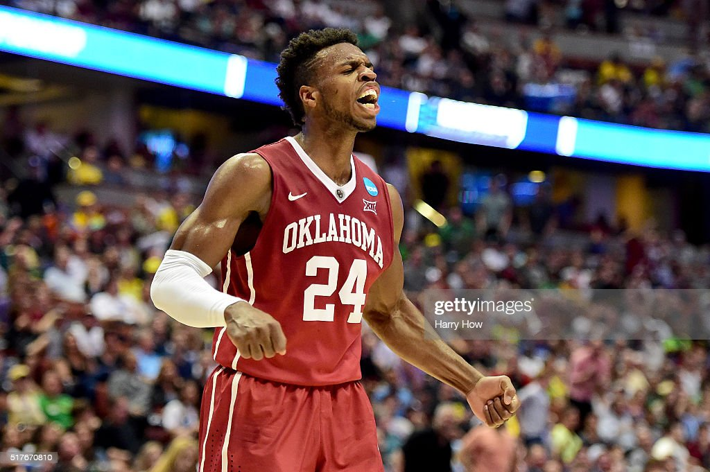 NCAA Basketball Tournament - West Regional - Oklahoma v Oregon : ニュース写真
