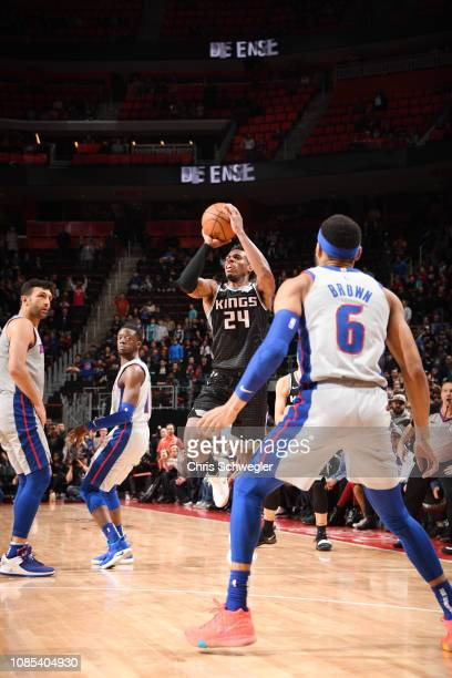 Buddy Hield of the Sacramento Kings shoots a three pointer to win the game against the Detroit Pistons on January 19, 2019 at Little Caesars Arena in...