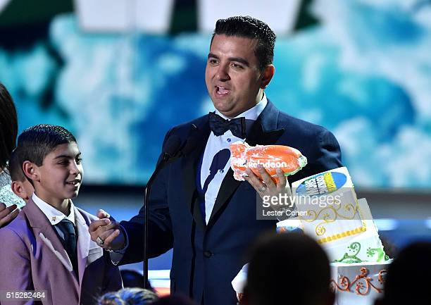 Buddy Valastro Jr and chef/TV personality Buddy Valastro accepts the Favorite Cooking Show award for 'Cake Boss' onstage during Nickelodeon's 2016...
