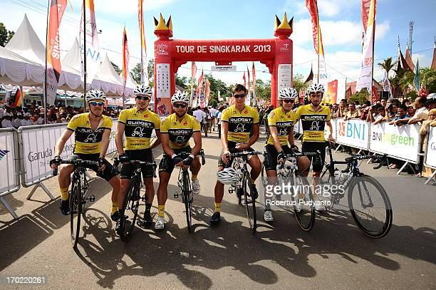 CONTENT] Budget Forklifts of Australia posed before start at Stage 4 Tour de Singkarak 2013 from Sijunjung Pulau Punjung distance 1895 km