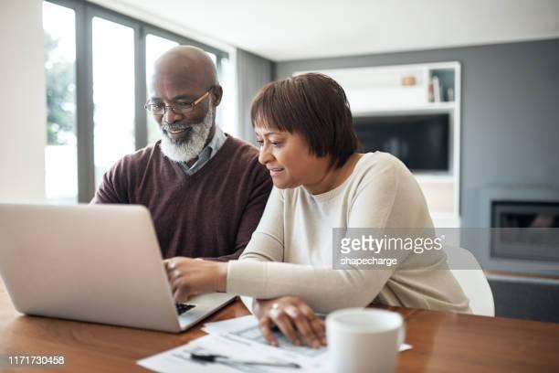 i budget dicono ai tuoi soldi dove andare - fondo pensionistico personale foto e immagini stock