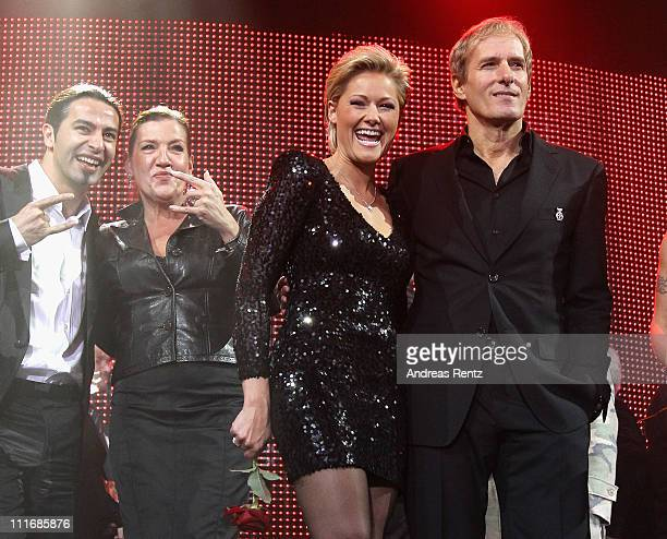 Buelent Ceylan Katy Karrenbauer Helene Fischer and Michael Bolton attend the 'Deutscher Live Entertainment Award PRG LEA 2011' at the Festhalle on...