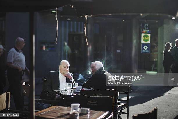 CONTENT] Buenos Aires Argentina cafe smoke streetphotography light