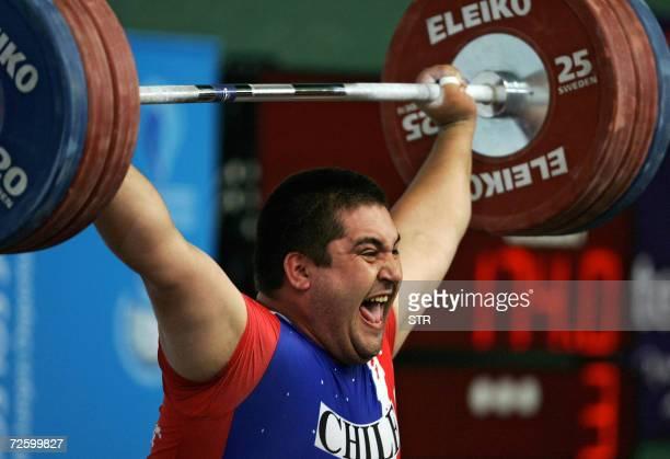 El chileno Cristian Escalante gana la medalla de oro en 105 Kg Arranque y obtiene el nuevo record de campeonato tras levantar 174 Kg el 18 de...