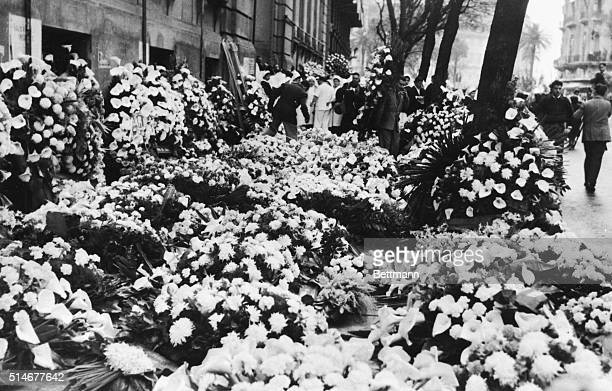 8/1/1952 Buenos Aires Argentina Flowers for the first lady A steady stream of condolence bouquetss ent by mourning Argentines flows outside the...