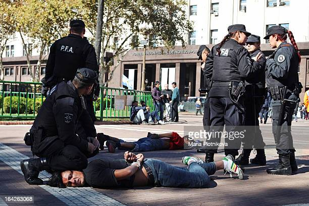 CONTENT] Buenos Aires Argentina streetphotograpgy crime policearrest