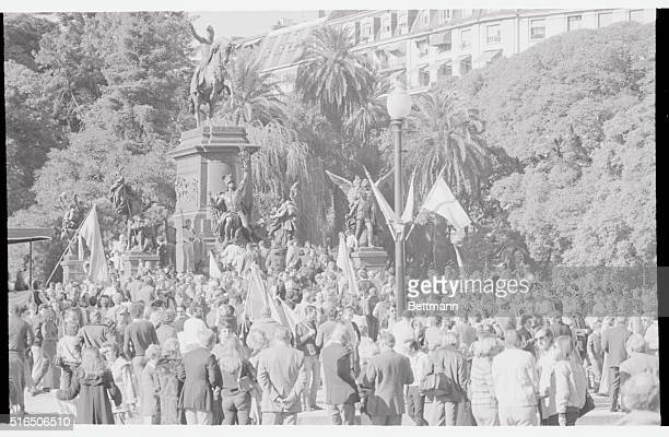 Hundreds of GermanArgentines crowd around the statue of Gen Jose San Martin liberator of South America in Buenos Aires May 22nd waving West German...