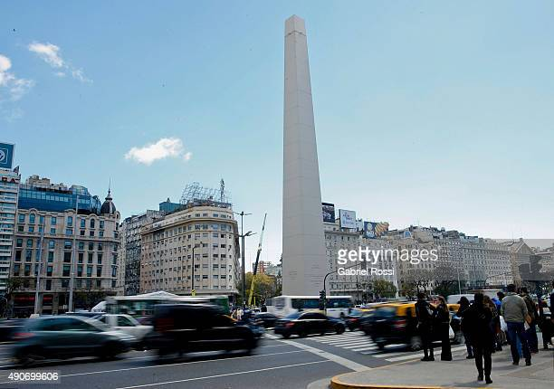 Buenos Aires' Obelisk is seen 'without' its pyramidal top after an art intervention by Argentine artist Leandro Erlich on September 30 2015 in Buenos...
