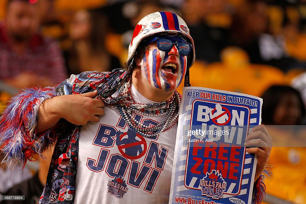 A Buffalo Bills fan shows his cheers during the fourth quarter against the Pittsburgh Steelers at Heinz Field on August 16, 2014 in Pittsburgh, Pennsylvania.