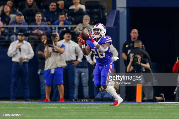 Buffalo Bills Running Back Devin Singletary catches a wide open pass for a touchdown during the game between the Buffalo Bills and Dallas Cowboys on...