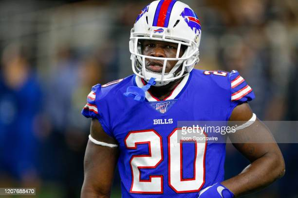Buffalo Bills Running Back Frank Gore jogs onto the field during the game between the Buffalo Bills and Dallas Cowboys on November 28, 2019 at AT&T...