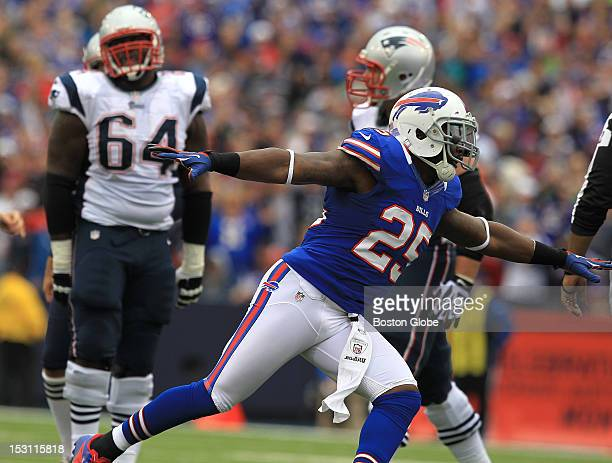 Buffalo Bills strong safety Da'Norris Searcy celebrates after New England Patriots kicker Stephen Gostkowski not pictured missed his second field...