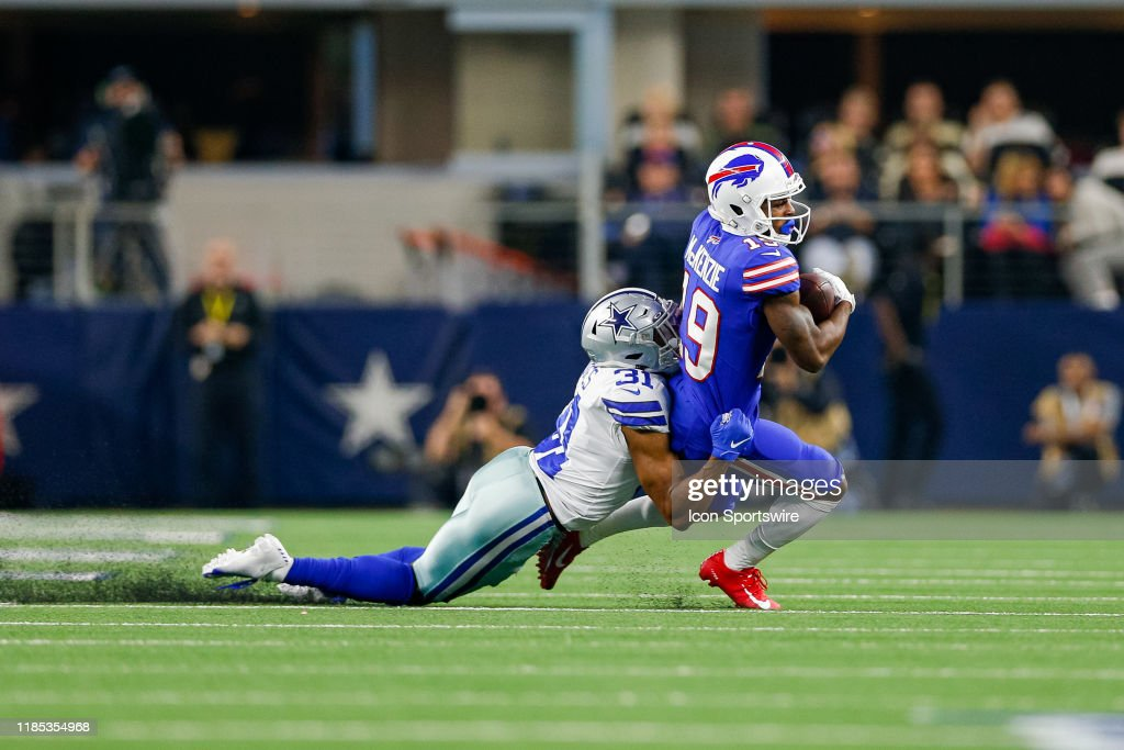 NFL: NOV 28 Bills at Cowboys : News Photo