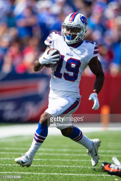 Buffalo Bills Wide Reciever Isaiah McKenzie runs with the ball during the first half of the NFL game between the Cincinnati Bengals and the Buffalo...