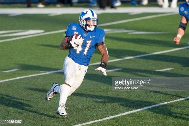 Buffalo Bulls Running Back Jaret Patterson runs with the ball during the second half of the College Football game between Kent State Golden Flahers...