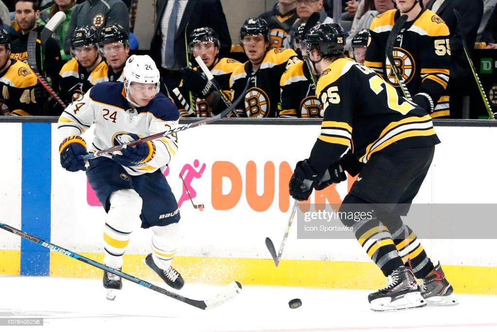 NHL: JAN 05 Sabres at Bruins : ニュース写真