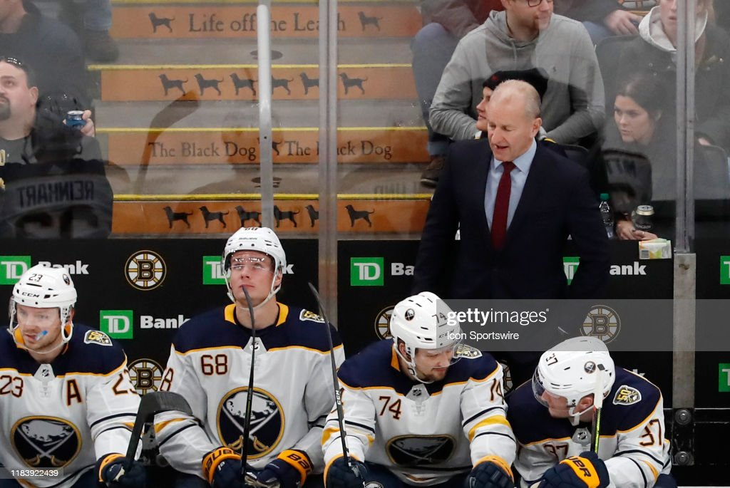 NHL: NOV 21 Sabres at Bruins : News Photo