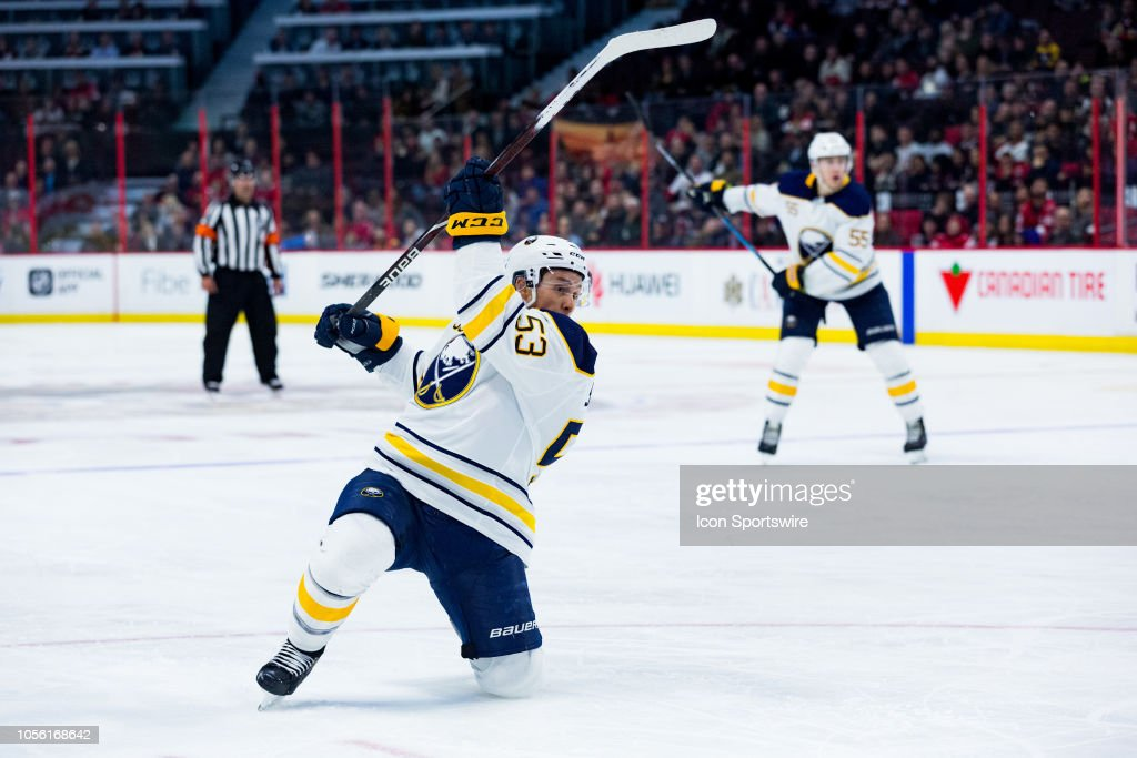 NHL: NOV 01 Sabres at Senators : News Photo