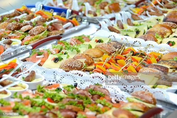 buffet avec des pains Schnittchen obstrué
