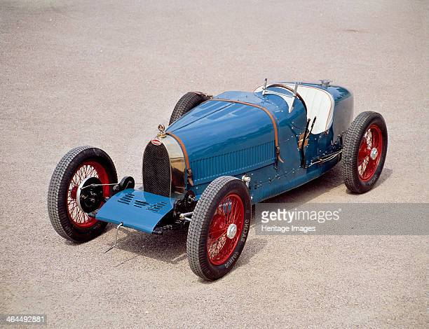 Bugatti Type 35 Designed and built by Ettore Bugatti The 1925 model won Bugatti's first motor racing world championship in 1926 From 1927 to 1931...