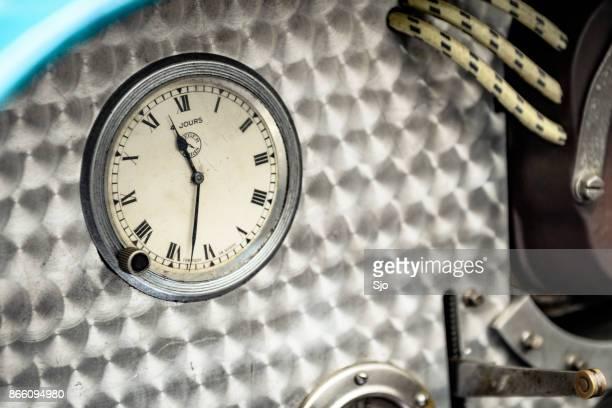 Bugatti Typ 35 Oldtimer Rennen Auto Armaturenbrett Uhr