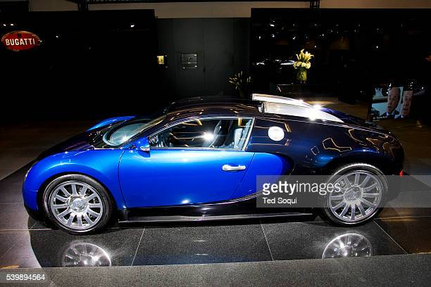 Bugatti Veyron 164 makes it's US debut at the Los Angeles Auto Show The Bugatti is priced at onemillion Euros or about oneandaquarter million US...