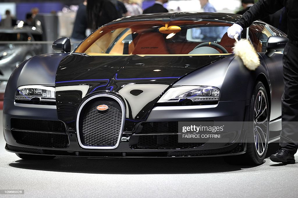 a bugatti veyron 16.4 super sport with a top speed of 407 km/h is